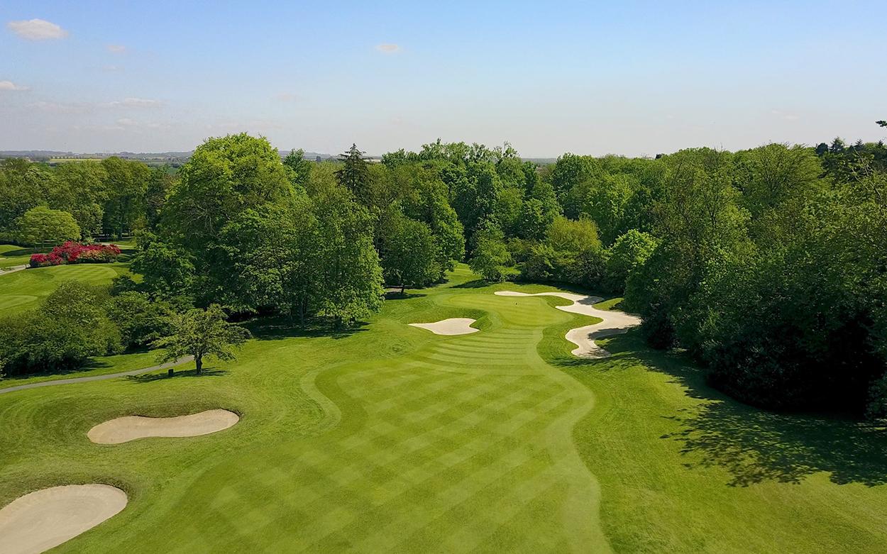 paris international golf club lifestyle. Black Bedroom Furniture Sets. Home Design Ideas
